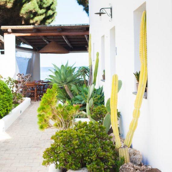 Hotel_Mercanti_di_mare_Salina_isole_eolie_camere_standard_600x900_9